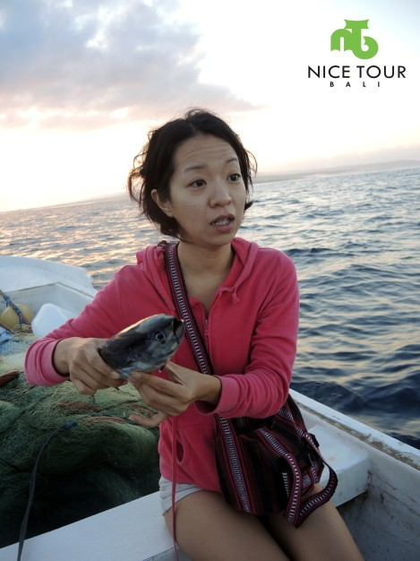 I(Angie) was so suprised to know the fishes caught = Tuna. And, scared of the fish too.